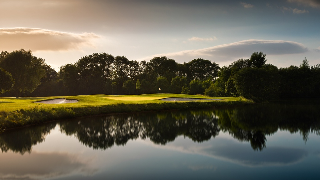 The Lake golf course at Sandford Springs in Hampshire